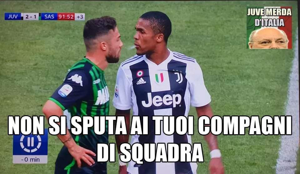 Gesto doppiamente infame!#JuveSassuolo #DouglasCosta #InterParma #RomaChievo #NapoliFiorentina #juve #inter #napoli #roma #scansuolo  - Ukustom