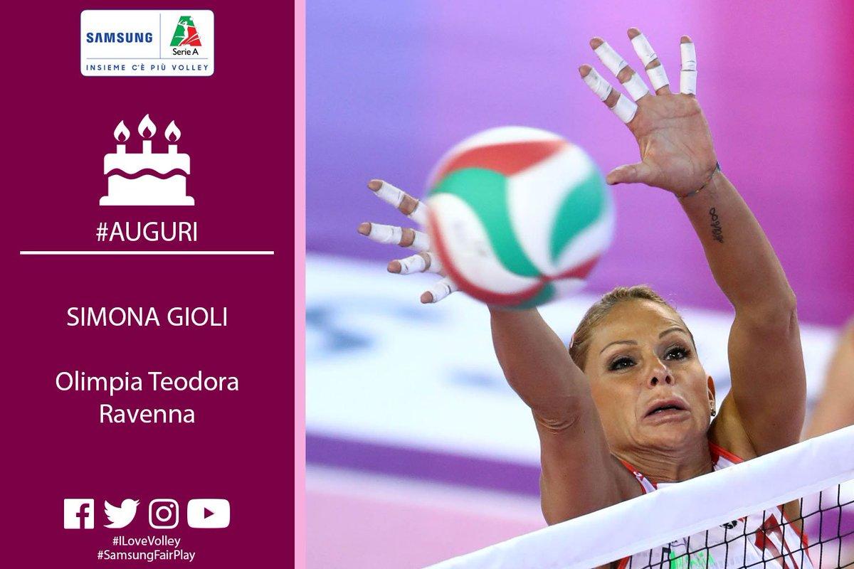 """Tanti auguri a una delle """"evergreen"""" del nostro campionato! Buon compleanno a Simona #Gioli centrale dell\"""