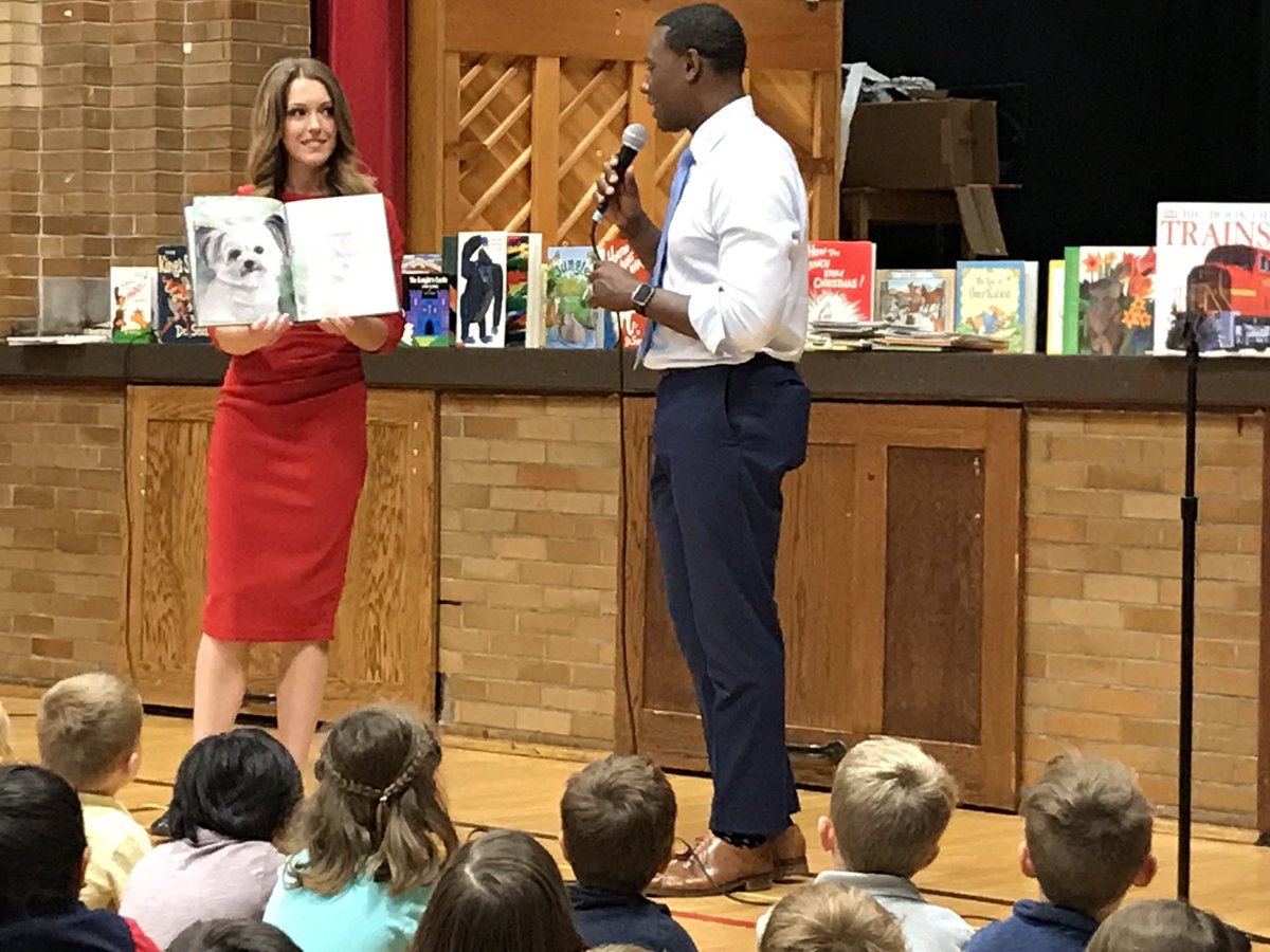 Thabk you @CBS4Indy for reading to us @IPS_CFI and for the book give-away across @IPS schools!