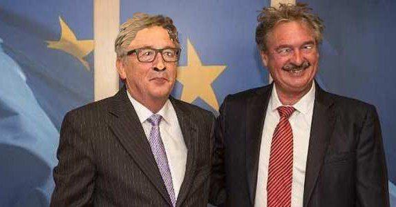 Duro attacco dal #Lussemburgo a #Salvini#Juncker e il suo amico di cantina #Asselborn ci vanno giu duro insieme ai soliti #pidiotiRagazzi io mi sono rotto, dico quello che penso: voglio mandare a zappare la vigna a questi due ubriaconi.Se la pensate come me condividete grazie.  - Ukustom