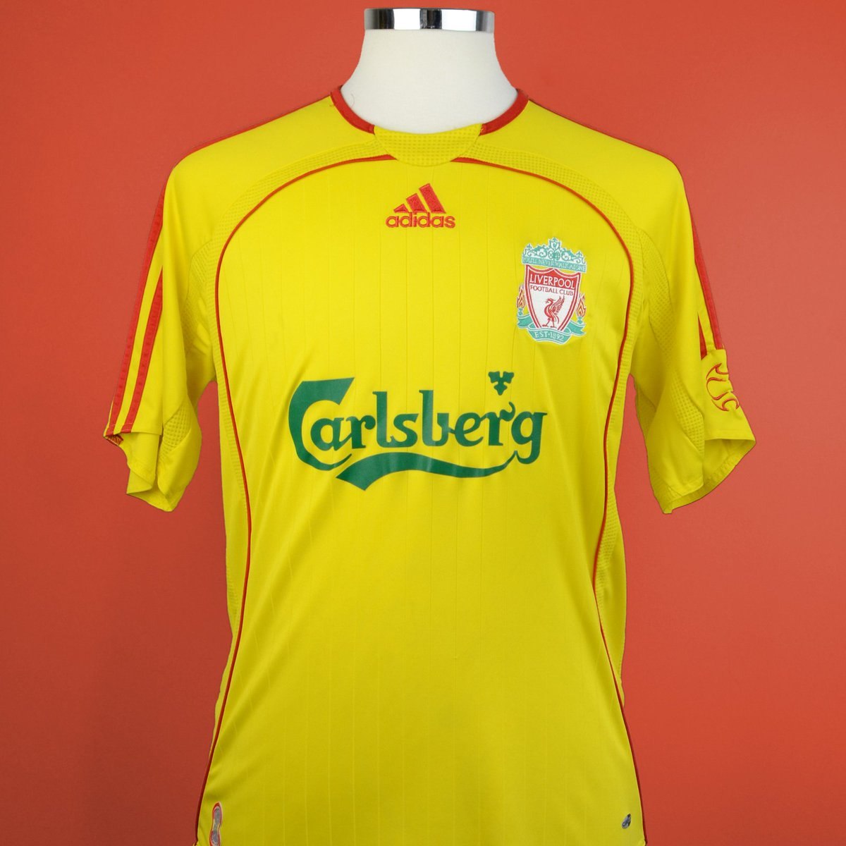 super popular 60c34 869a8 Classic Football Shirts on Twitter: