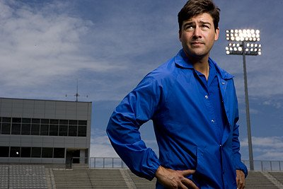 Happy birthday to Kyle Chandler, Coach Taylor from Friday Night Lights!