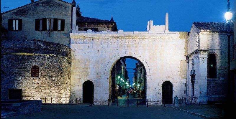 Facciamo una passeggiata nel centro storico di #Fano?Iniziamo dall\