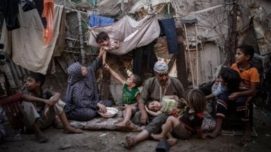 #Palestina, i ragazzi della generazione #Oslo sono alla fame. A 25 anni dagli accordi di pace il 43,4% dei giovani è disoccupato, un tasso che a #Gaza raggiunge il 64,6% - Su @repubblica il rapporto di #Oxfam: https://goo.gl/7qux8u  - Ukustom