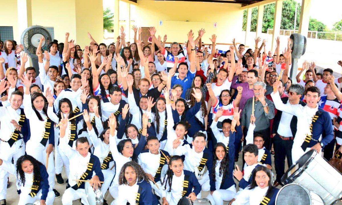 Hoje o nosso secretário de Educação @FelipeCCamarao inaugurou mais 3 Escolas Dignas e 2 Faróis do Saber. Tem sido assim todas as semanas. E quem planta escola, colhe desenvolvimento