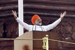 Rahul Gandhi, Arvind Kejriwal wish Narendra Modi happy birthday