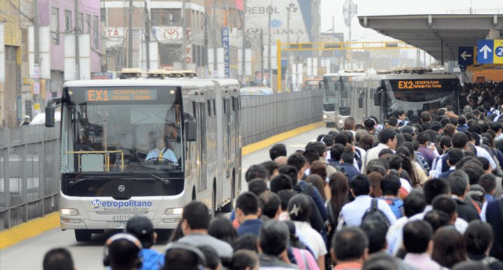 #Elecciones2018 | El transporte público y privado en Lima, el gran desafío de los candidatos ►https://t.co/gZsp1pN98D https://t.co/1NcGv148rr