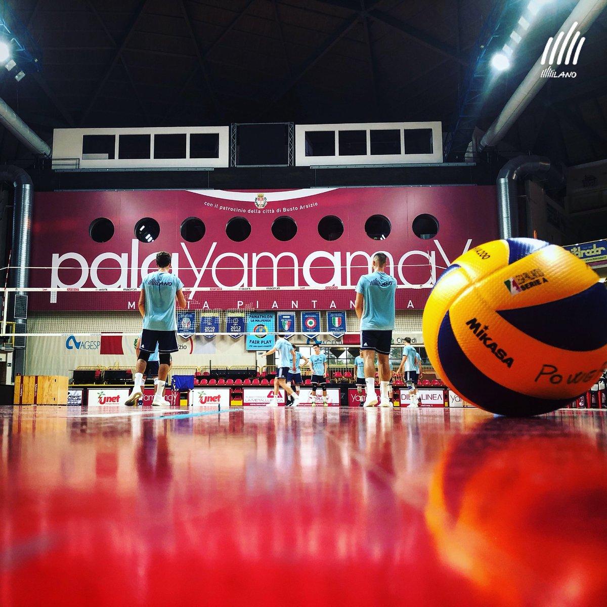 ...ed anche per oggi abbiamo finito! #FightingForYou#PowervolleyMilano #ForzaMilano #TeamAdidas #AdidasVolleyball #Volleyball #Volley #Pallavolo  - Ukustom