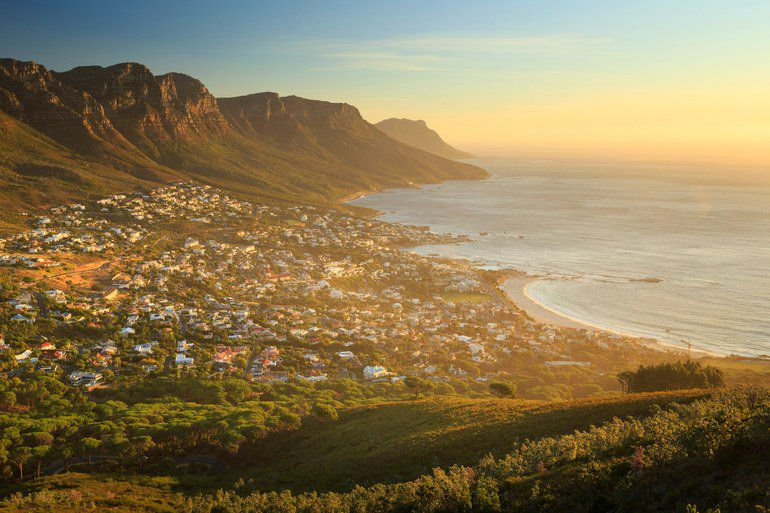14 things every traveler should do in Cape Town before they die https://t.co/jgIWM1by4H https://t.co/LyxX4pctap