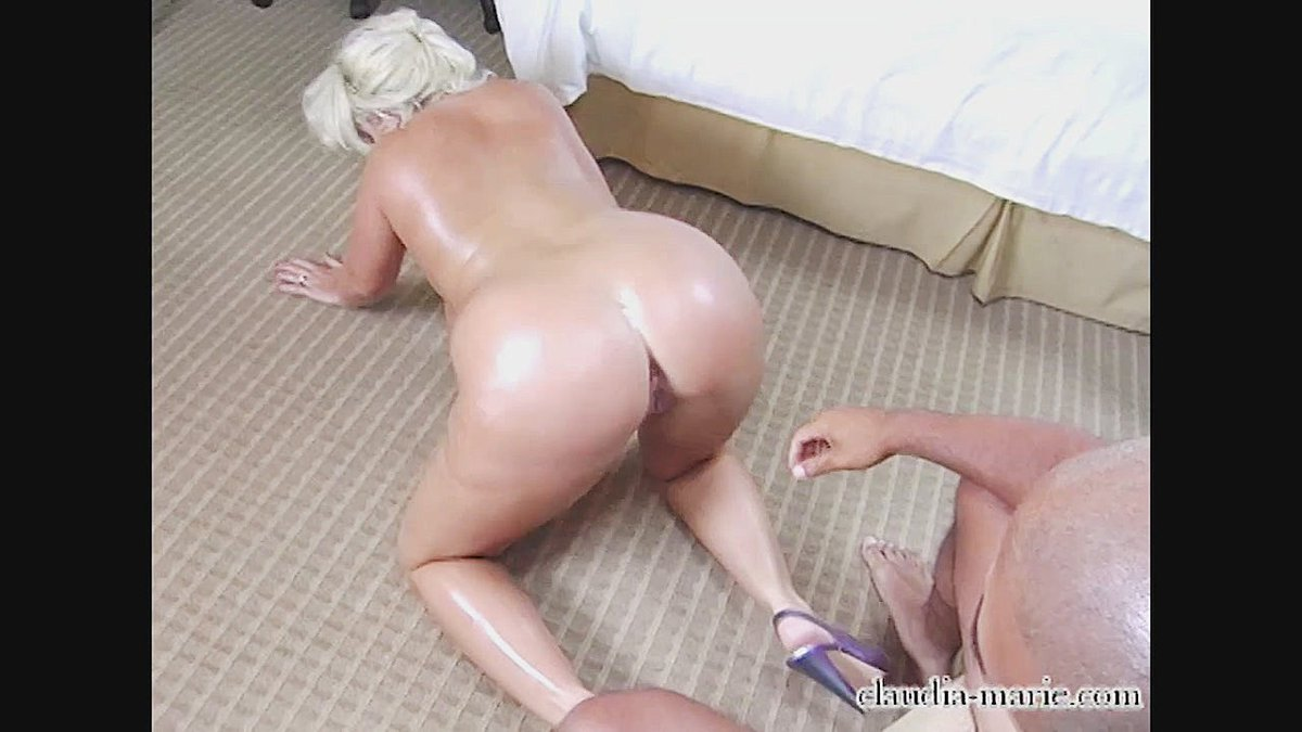 Claudia Marie huge fat ass - compilation https:/
