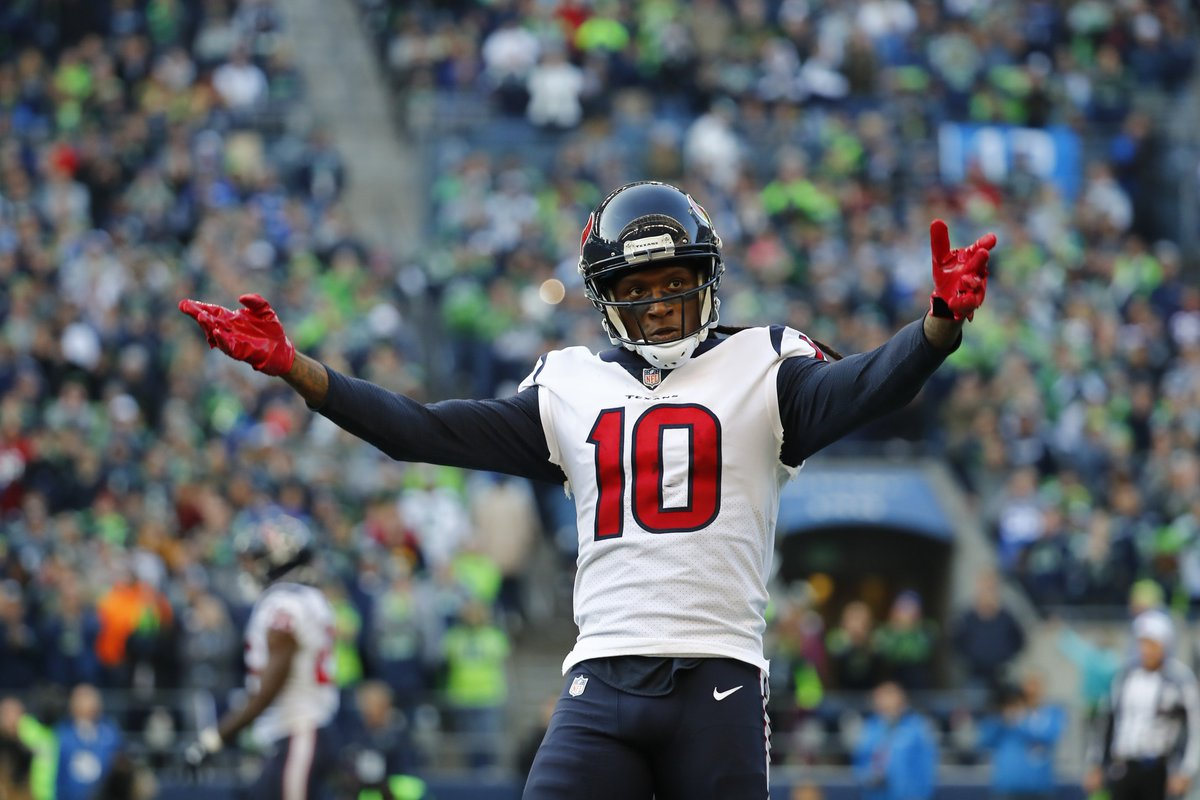 At 26 years, 3 months and 10 days, #Texans WR DeAndre Hopkins became the third-youngest player in NFL history to reach 6,000 receiving yards behind only Randy Moss (25 years, 8 months, 28 days) and Larry Fitzgerald (26 years, 0 months, 14 days) #WeAreTexans