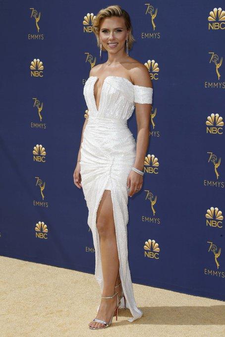 Hola Scarlett perfección Johansson #Emmys Foto