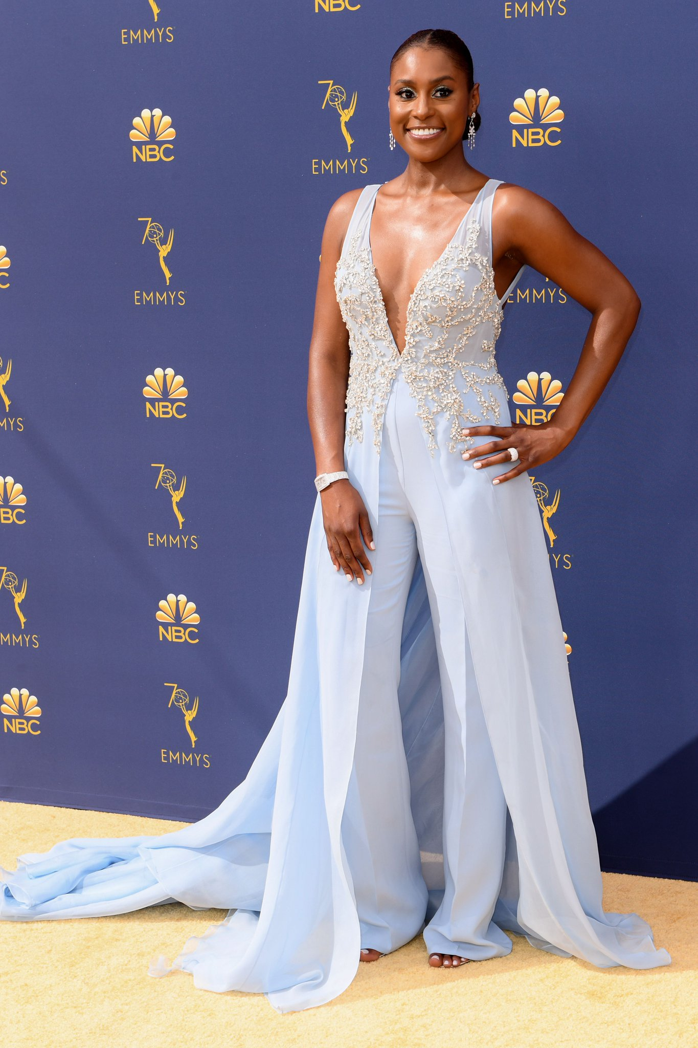 .@IssaRae has no reason to be #Insecure in this beautiful blue pantsuit https://t.co/wMu3W6vNHP https://t.co/YPs01SIEOC