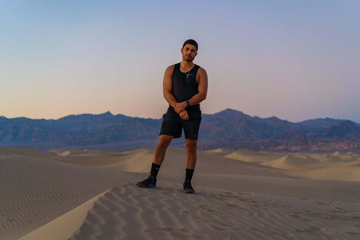 took a selfie a couple hours apart in death valley