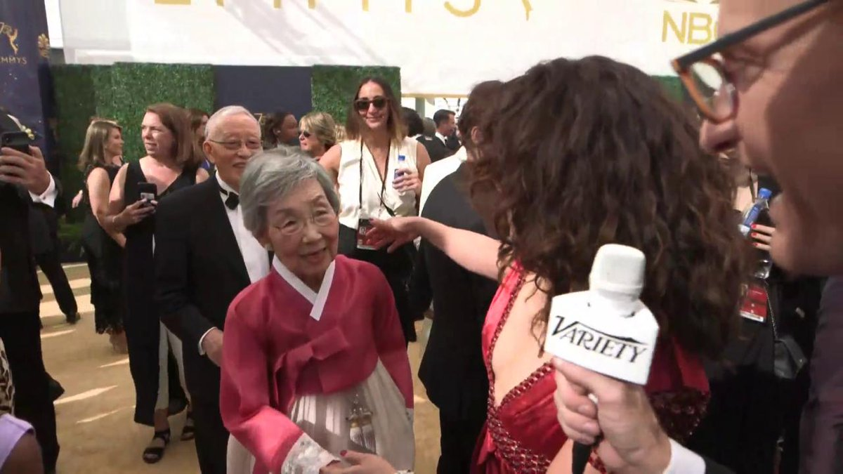 Sandra Oh Brought Her Parents to the Emmy Awards, and Twitter Users Are Obsessed