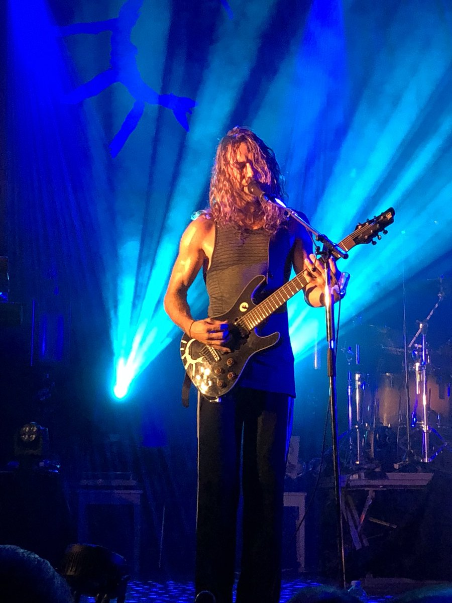 Media Tweets By Carles Canto Carlescanto Twitter Gjm Guitars Design And Build High Quality Electric Hands Down The Best Band Frontman Ive Ever Seen Live Amazing Talent Energypic Iepclmrpr3