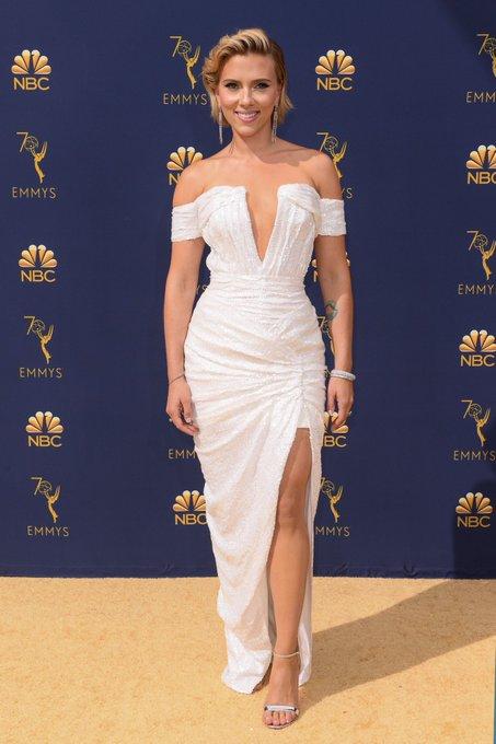 Perfeição, escultura divina e amor da minha vida ! Scarlett Johansson é muito deusa. 😍👑 #Emmys Foto