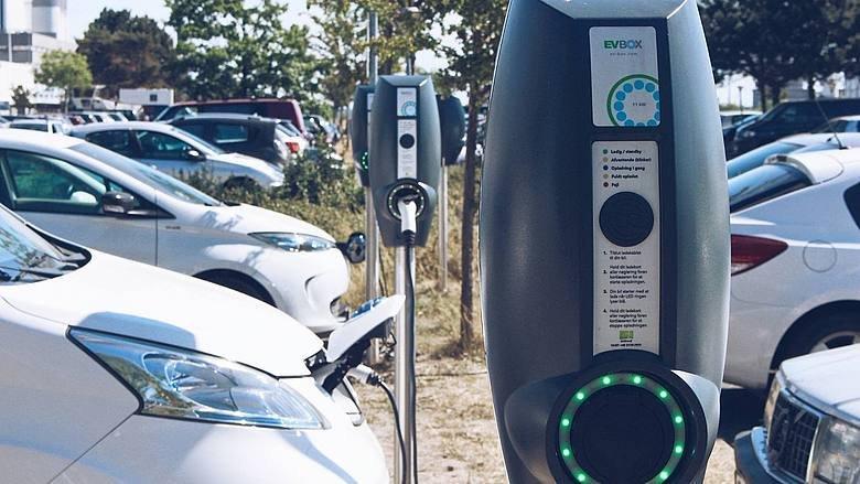 Europa e Usa, 3,5 milioni di colonnine in arrivo https:// www.lautomobile.aci.it/articoli/2018/09/17/europa-e-usa-colonnine-in-arrivo.html#ElectricVehicle #autonomous #smartcity #ai #Iot #robot #tech #5g #driverless #selfdriving #mobility #SelfDrivingCars #startup #future #technology #transportation #technews #robotics #startups #travel  - Ukustom