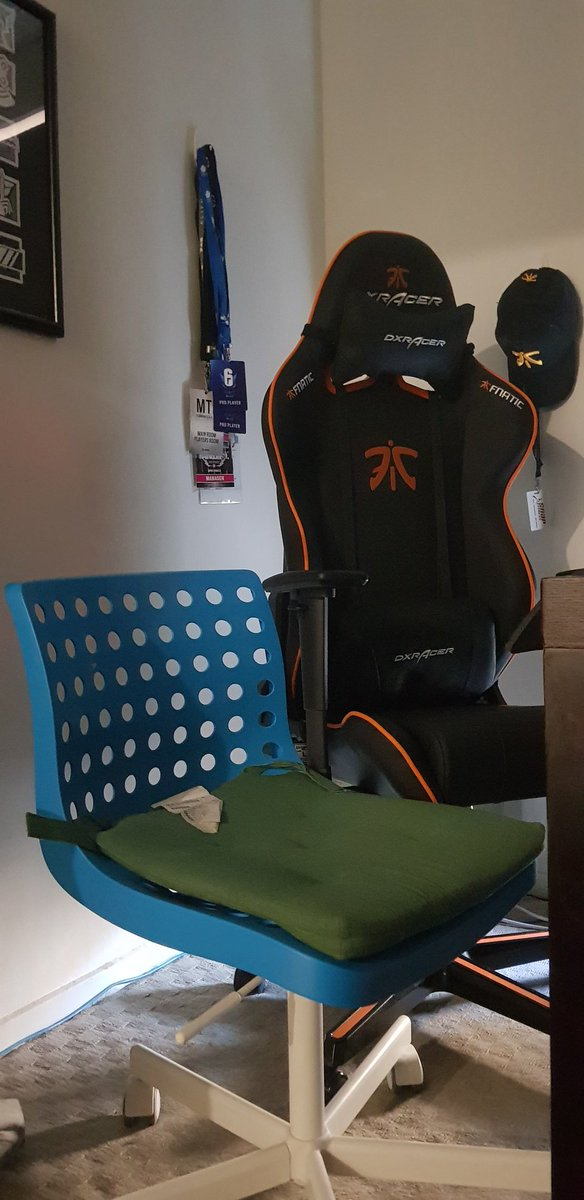 Admirable Jayden Saunders Dizzle Fnatic On Twitter Out With The Theyellowbook Wood Chair Design Ideas Theyellowbookinfo