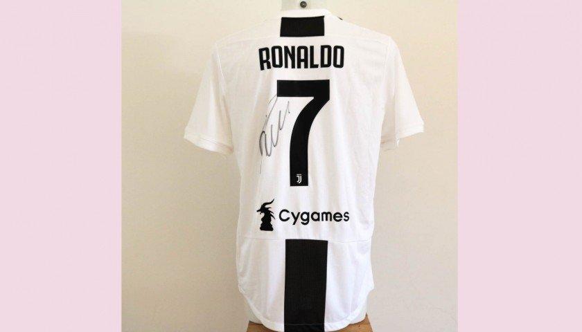 #GenovanelCuore: scende in campo Cristiano Ronaldo con Stelle nello Sport -  https:// www.pianetagenoa1893.net/iniziative-benefiche/genovanelcuore-scende-in-campo-cristiano-ronaldo-con-stelle-nello-sport/  - Ukustom