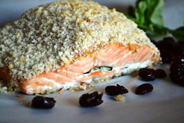 Spinach Cranberry Stuffed Salmon #recipe @  http:// bit.ly/2jBpa6q  &nbsp;        #healthy #food #recipes<br>http://pic.twitter.com/IQbBYZWqMP