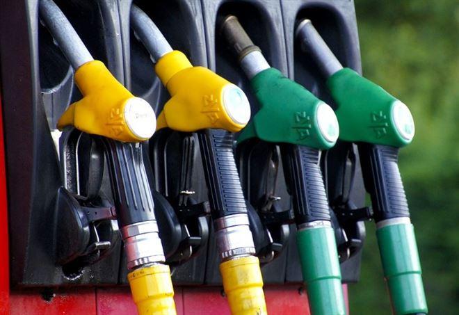 Stabili in agosto i #consumi #petroliferi italiani. Corre la domanda di #gasolio, frena la #benzina http:// www.e-gazette.it/sezione/energia/stabili-agosto-consumi-petroliferi-italiani-corre-domanda-gasolio-frena-benzina@UPetrolifera  - Ukustom