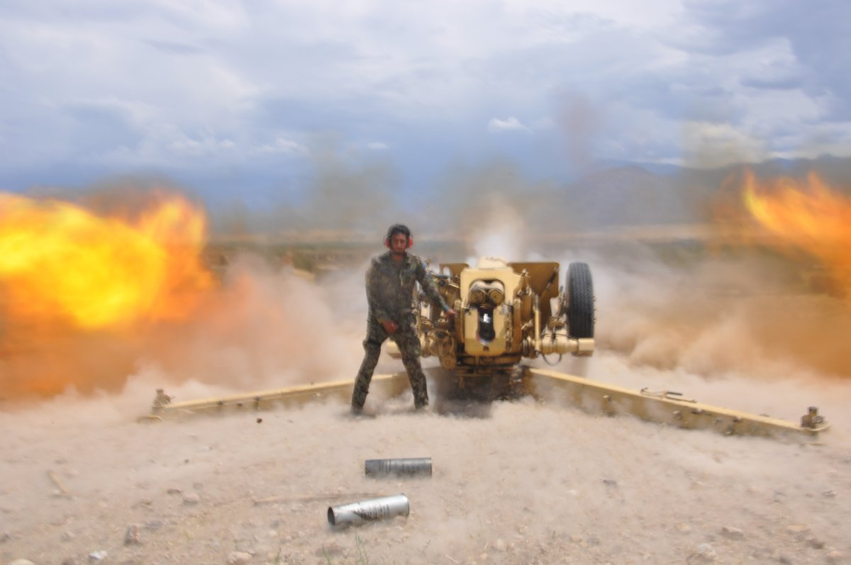 Six insurgents were killed and 9 wounded in ANA artillery attacks in Anar Dara district of Farah Province.