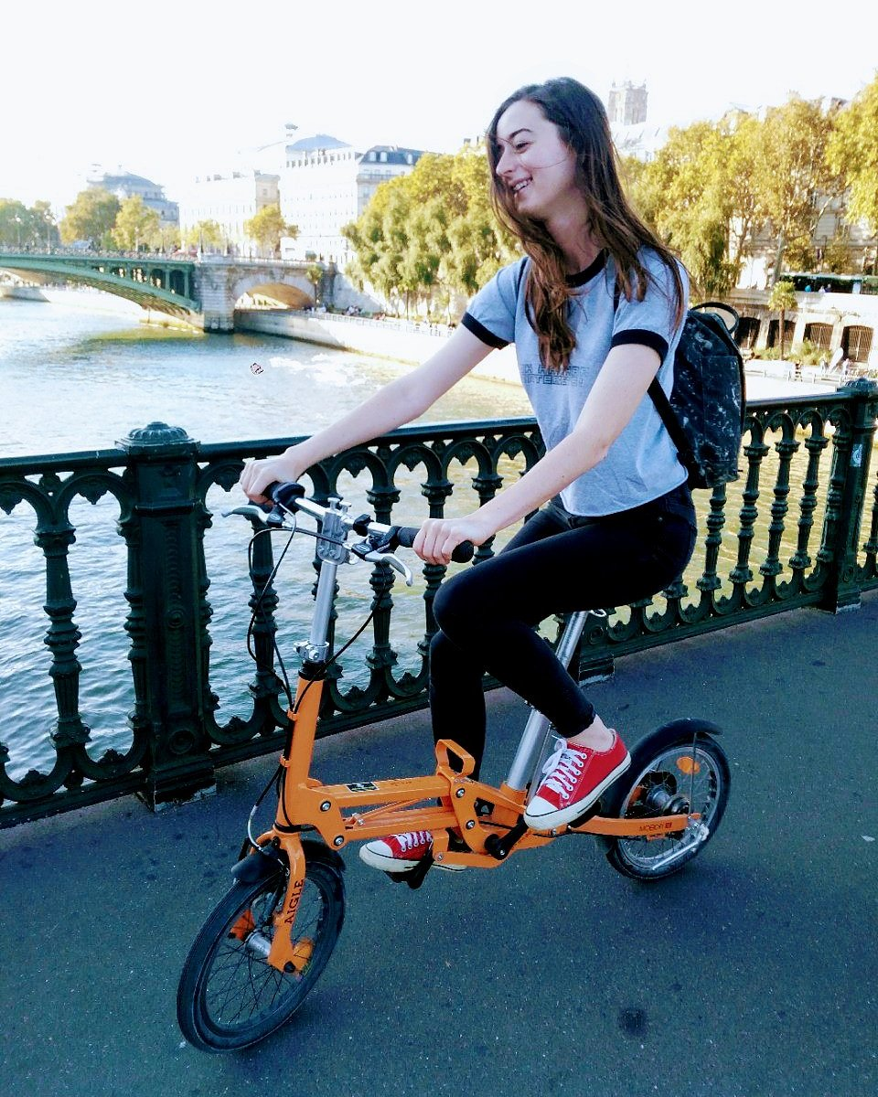 "Riding over the Seine on a bicycle purchased with #duniter UBI cryptocurrency, aka ""free money"" ...Happy basic income week! #cryptoubi #monnaielibre #democraticmoney #basicincomeweek #countonbasicincome https://www.instagram.com/p/Bn3KmgYnbii/"