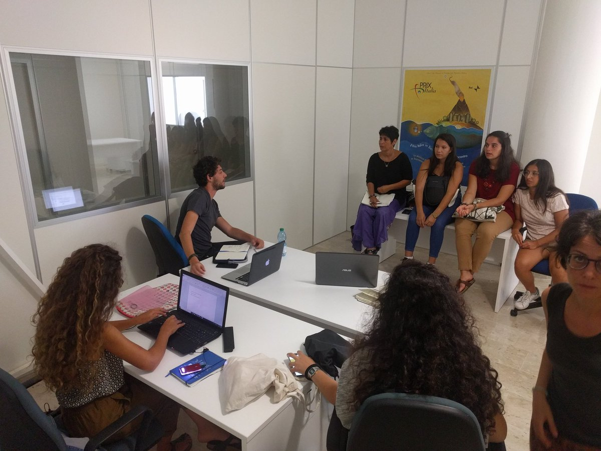 I nostri ragazzi a lavoro per #progettare #accoglienza a #Lampedusa #summerschool #AISterritorio #sostenibilità  - Ukustom