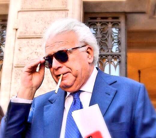 """""""Inchiesta corruzione nel Lazio, perquisita la casa di Denis #Verdini.""""Trovata una riforma costituzionale.  - Ukustom"""