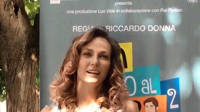 Sara Zanier è Nina, la moglie di Enrico Vinci (@LinoGuanciale), che nella seconda stagione di @NonDirloAlCapo cercherà di riprendersi il marito...Questa sera alle 23.25 la replica della prima puntata di #NonDirloAlMioCapo2 su #RaiPremium #Fictionary  - Ukustom