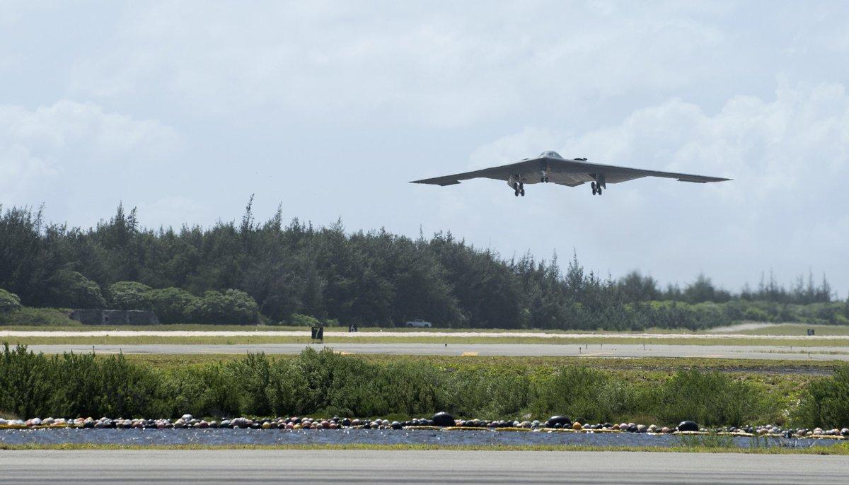 Kết quả hình ảnh cho B-2 Spirit tới Hawaii