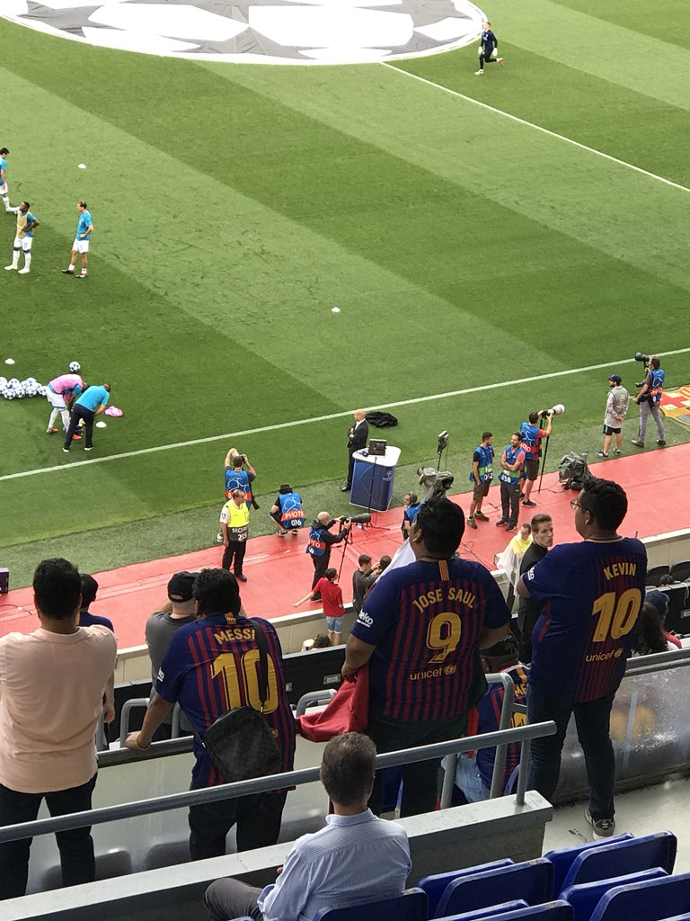 Messi... Jose Saul.... and... Kevin
