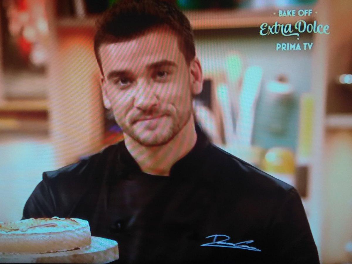 Posso sposare @chefcarrara?Grazie.#BakeOffItalia #extradolce  - Ukustom