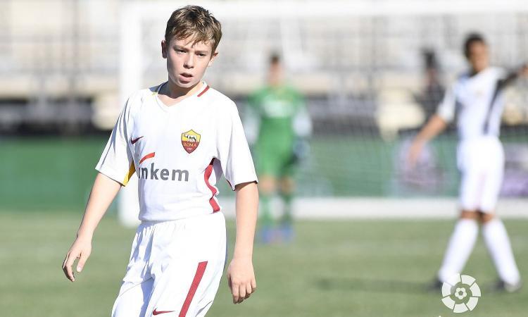 #AsRoma : il figlio di #Totti a Madrid campione di fair play e inglese  https:// www.calciomercato.com/news/roma-totti-jr-campione-di-fair-play-e-inglese-video-79539  - Ukustom