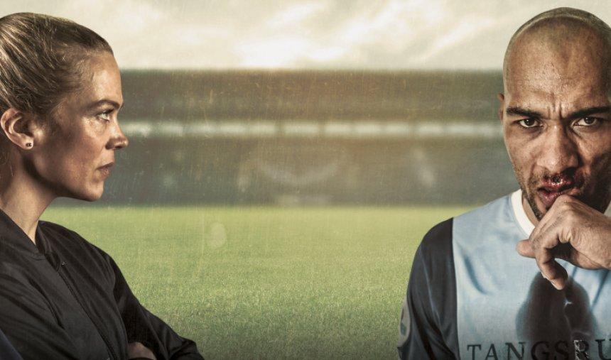 Quando uma equipa recém-promovida perde o treinador no arranque da temporada, Helena Mikkelsen pode tornar-se a primeira mulher a treinar uma equipa masculina da Liga de Futebol da Noruega.  'Jogar em Casa', hoje na @RTP2.  https://t.co/8tC2CFfnWx