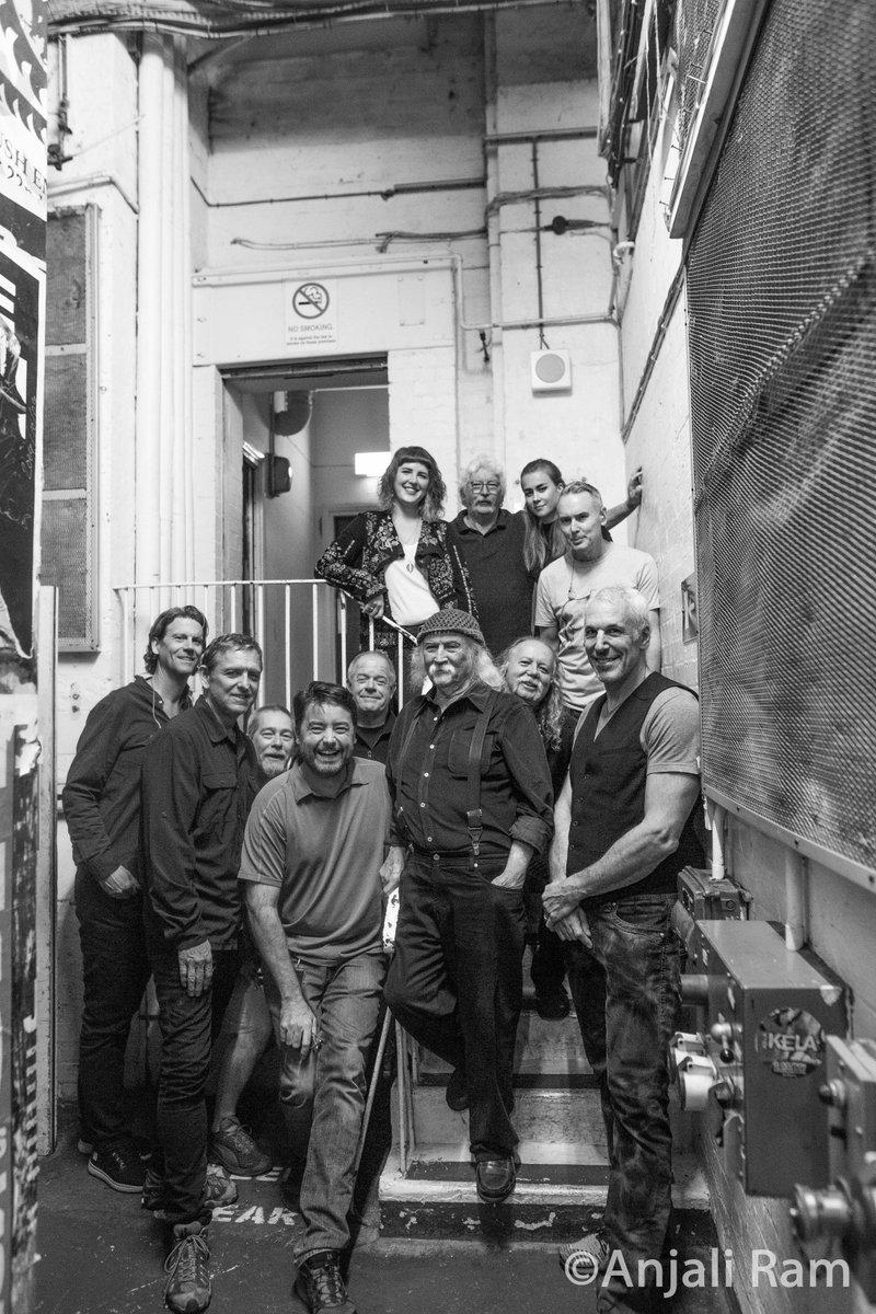 David Crosby &amp; Friends + Crew. @thedavidcrosby @boutwillismusic #MyVeryFirstBandPortrait #DavidCrosbyAndFriends #DavidCrosby #SkyTrails <br>http://pic.twitter.com/aXj4mkvk66