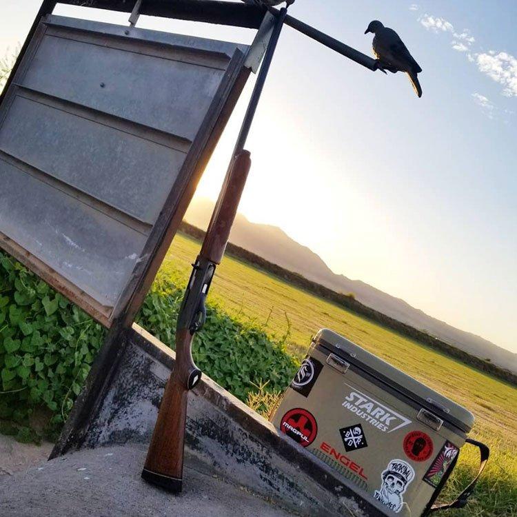 great pic by @WillySixx La Culebra #BandaMachos  #OpeningDay18 #Remington1100 #EngelCoolers #Magpul #BlkRflDiv #StarkIndustries #Tatsoul #Shotgun #GunsDaily #Guns #Chakaciones #Outdoors #Sport @EngelCoolers #seriouscool