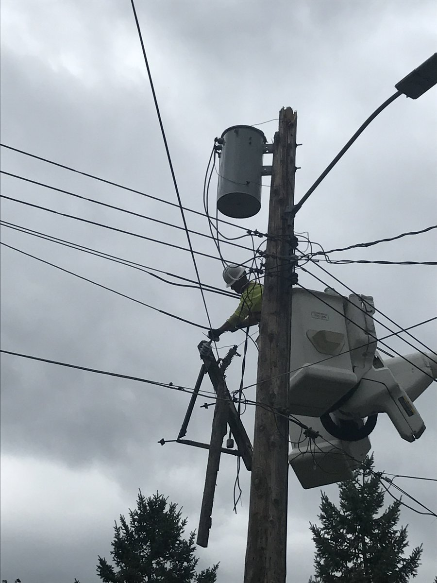 Rpu Rpuoutages Twitter When Working With Electricity Always A Couple Photos Of Crews On Getting The Back After Storm And Winds Yesterday Priority Is Safety For