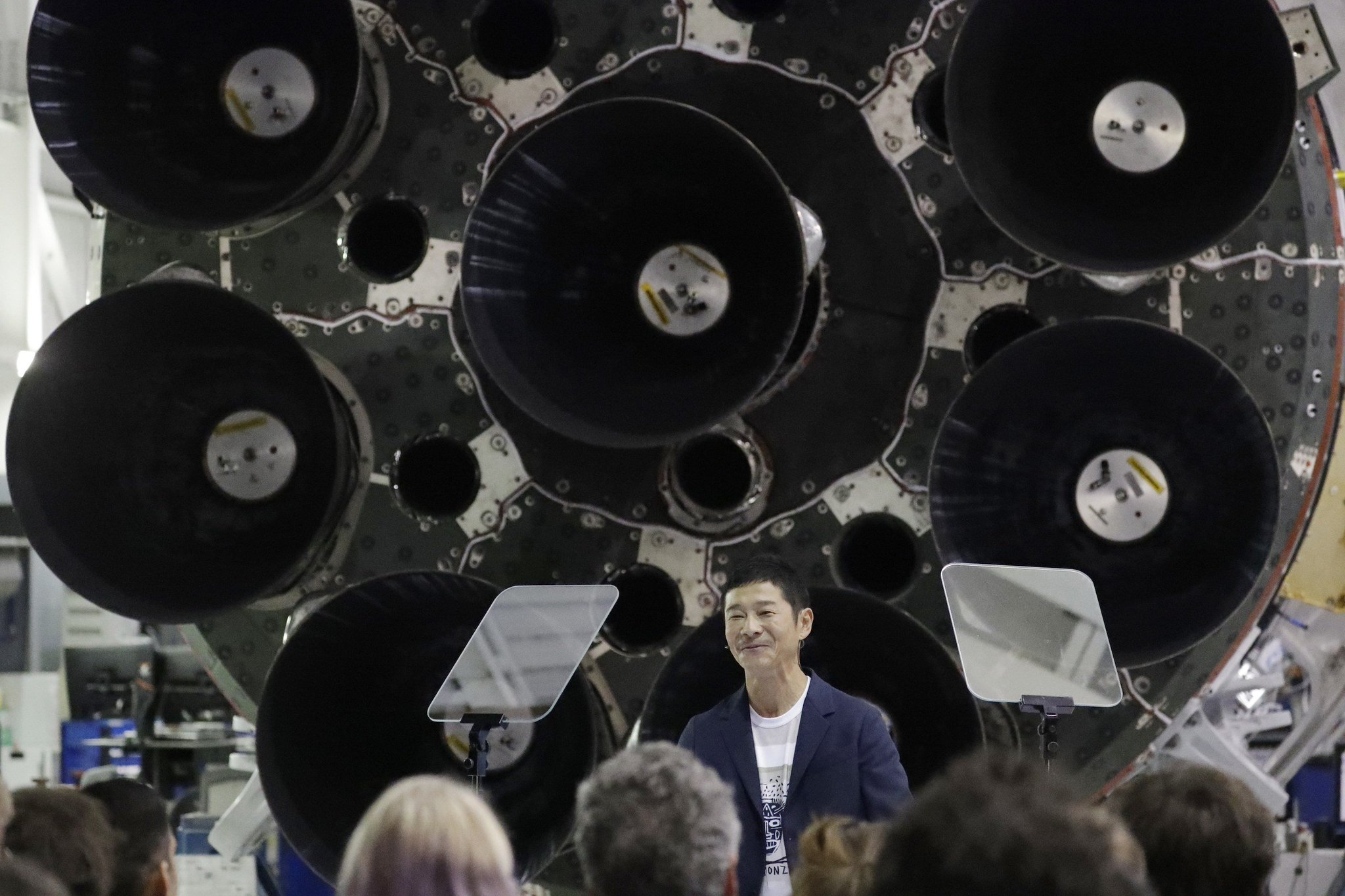 Who is Yusaku Maezawa? Everything you need to know about the first-ever moon tourist https://t.co/eAAgVv7vsK https://t.co/XRyzPT3J6g
