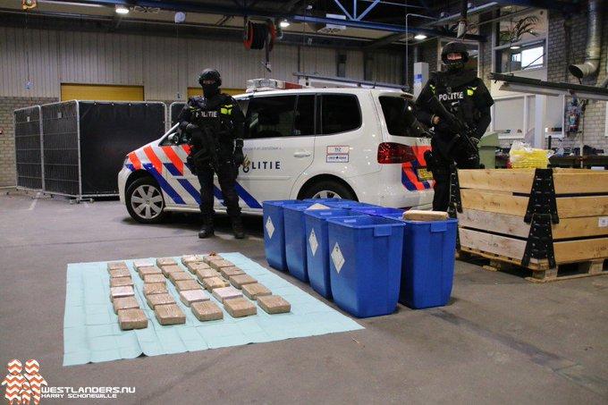 OM eist tot vijf jaar cel voor cocaïne in Den Hoorn https://t.co/Z578lNBstu https://t.co/1N5tRKnMlH