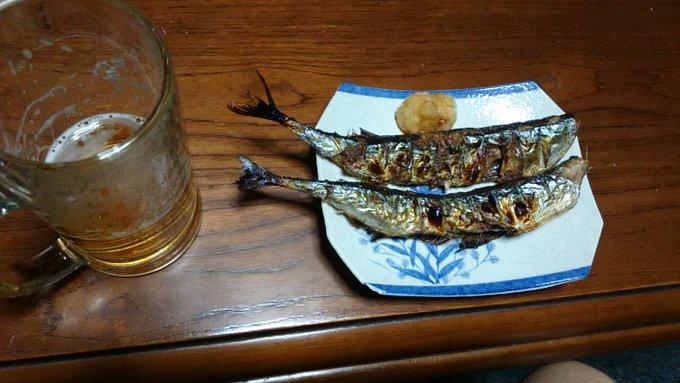 リアタイで、秋刀魚の塩焼きで、1杯やってますよ~\(^o^)/ #raji795 #秋刀魚の塩焼き 写真