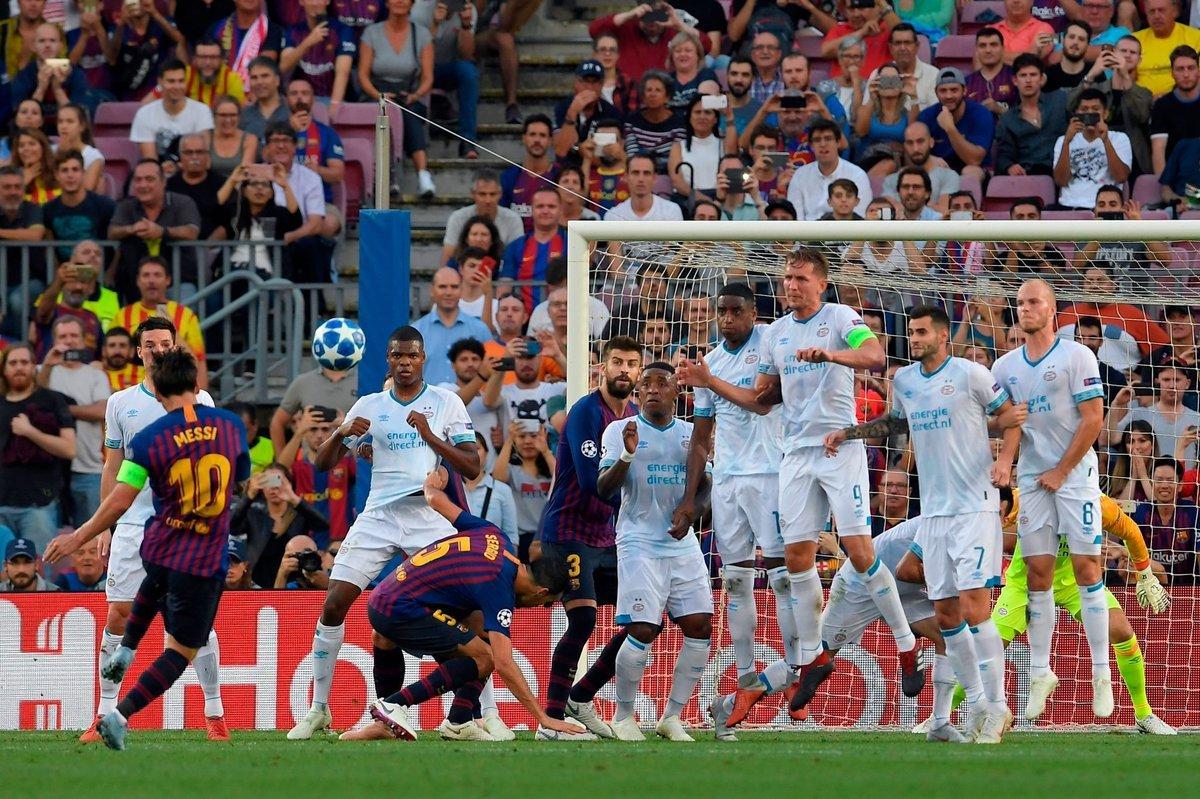 ميسي يسجل أول أهداف دوري الأبطال  بهدف رائع في مرمى ايندهوفن