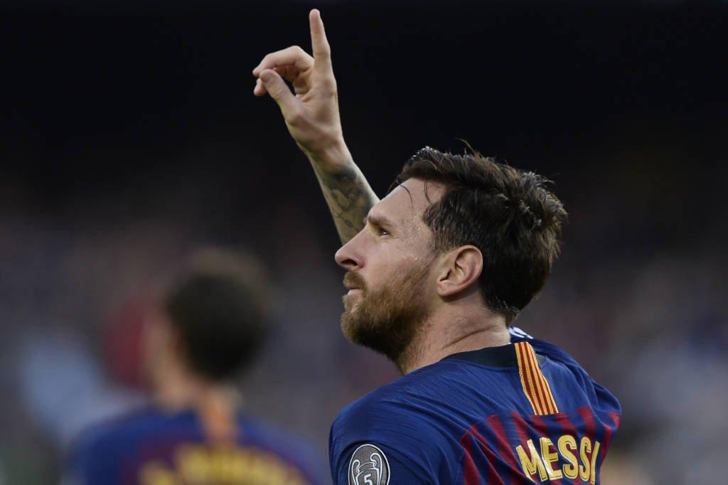 Messi abre o placar pro Barça com um GOLAÇO de falta! ⚽️    Acompanhe AO VIVO Barcelona 1 x 0 PSV na #ChampionsLeague!   https://t.co/JqSELWDx0R