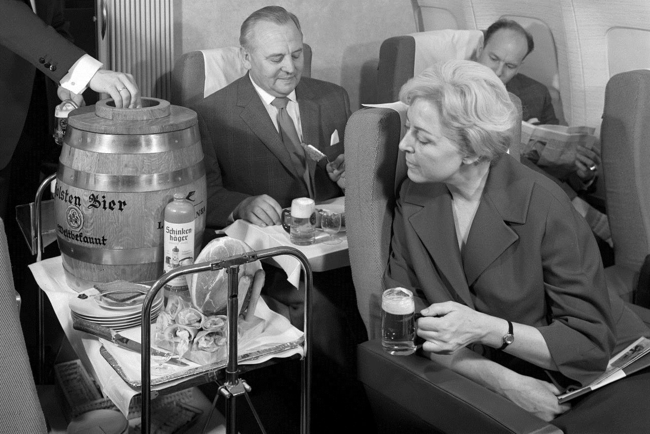 German airline Lufthansa will tap kegs on flights in honor of Oktoberfest—so drink up �� https://t.co/1QINKP3p6S https://t.co/DKwF2dDN16