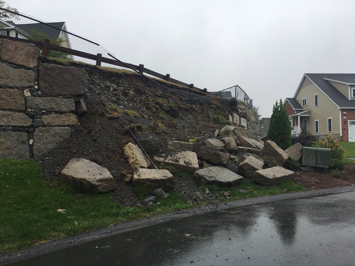 Heather Hegedus on Twitter \ .@danverselectric on the scene at the Aria at Hawthorne Hill townhomes in Danvers where the heavy rain caused a retaining wall ... & Heather Hegedus on Twitter: \