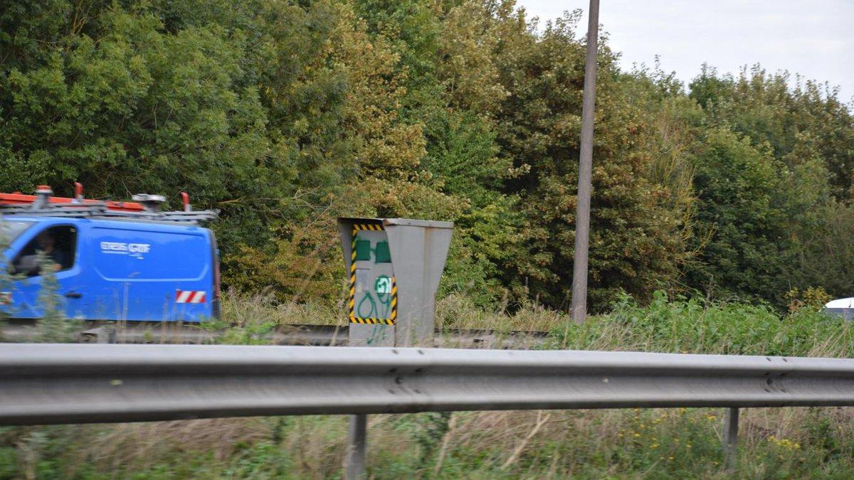 #Calais #A16 Tagué, le radar du Virval ne pourra plus flasher durant une quinzaine de jours. ➡️ https://t.co/UArAdtH9Qr