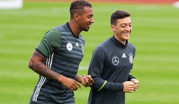 Boateng on Özil: Were talking about a great player who became world champion with us, who earned a lot of caps, who has also changed German football, a number 10 with a migration background! Thats a great thing. then to leave the way he did, I think thats a pity.