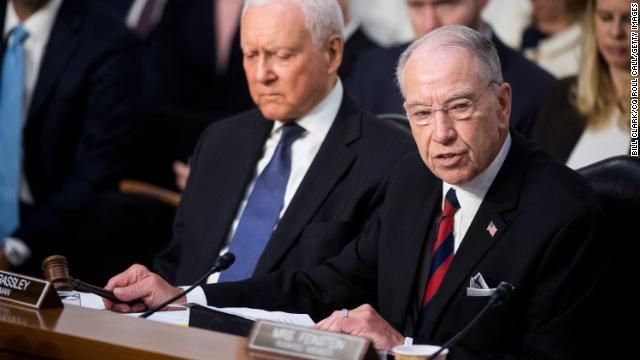 Senate Judiciary Chairman Chuck Grassley cancels a committee vote on Brett Kavaunagh's Supreme Court nomination https://t.co/tb2xeR8Ccm