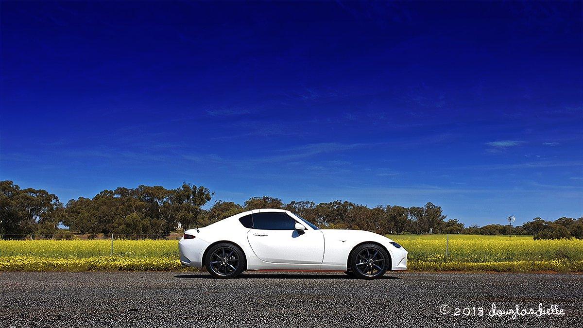 Mazda MX5-Retractable Fastback